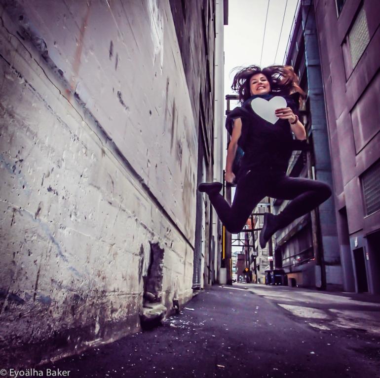 Eyoalha selfie jumping photo